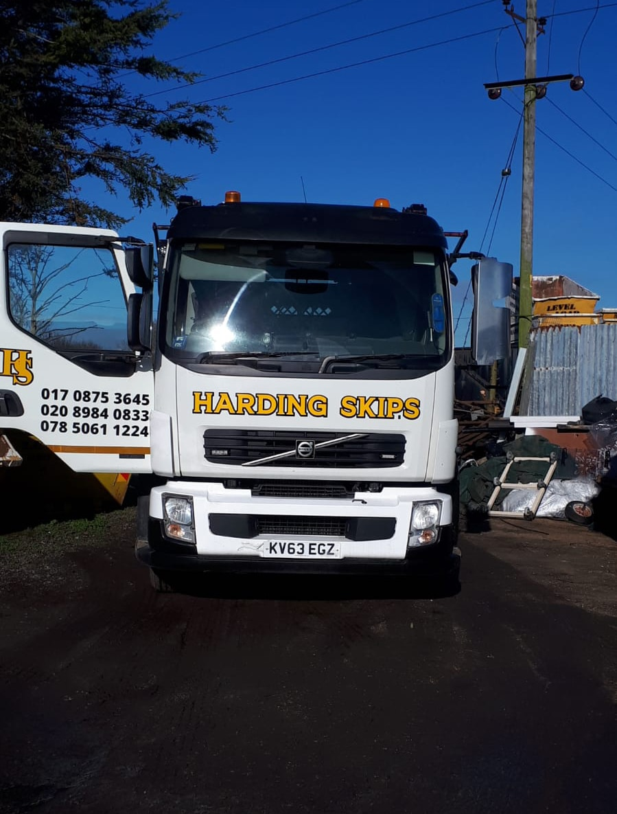 YOUR LOCAL PROVIDERS OF COMMERCIAL SKIP HIRE AND DOMESTIC SKIP HIRE IN ESSEX.